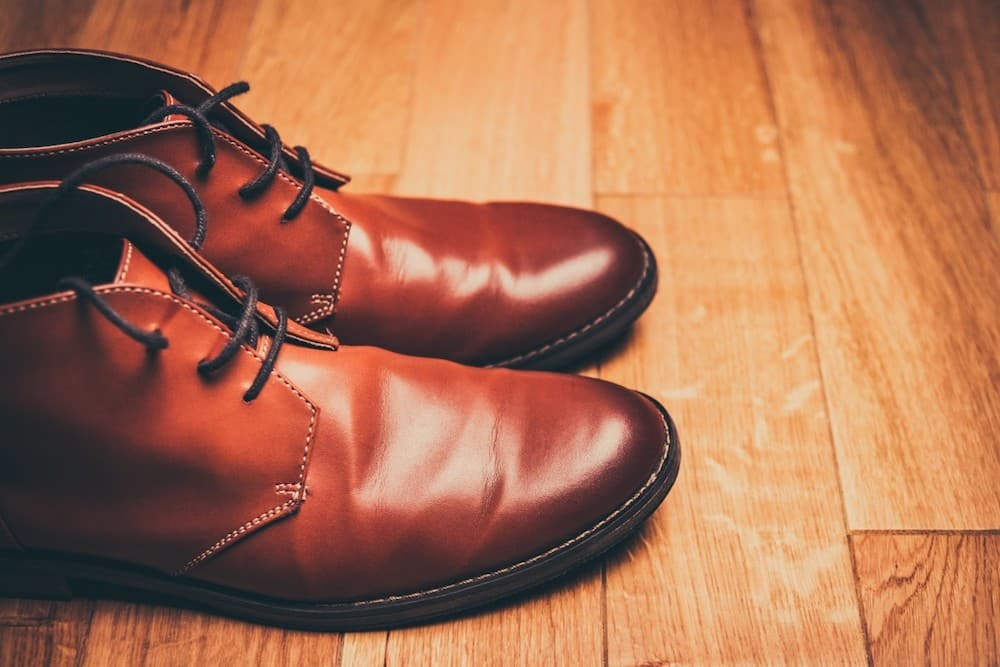 how-to-get-creases-out-of-leather-shoes