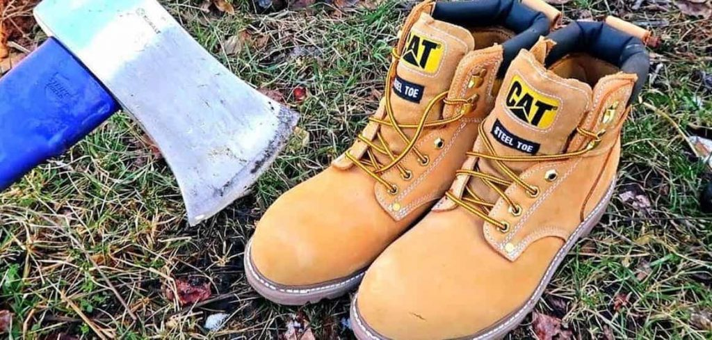 Best Steel Toe Boots for Wide Feet