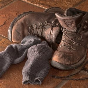Type Of Socks To Wear With Boots - featured